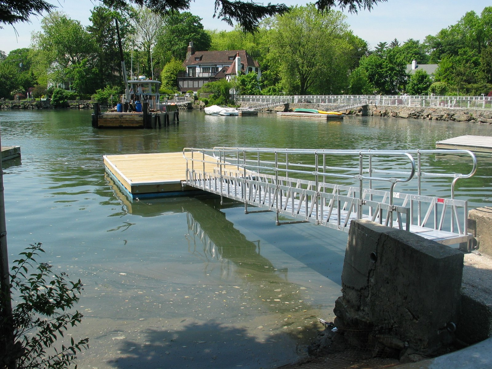 Aluminum Gangway to floating dock
